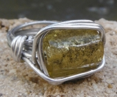 Glass Stoned Ring